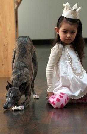 Kind und Hund – Eva Niemand